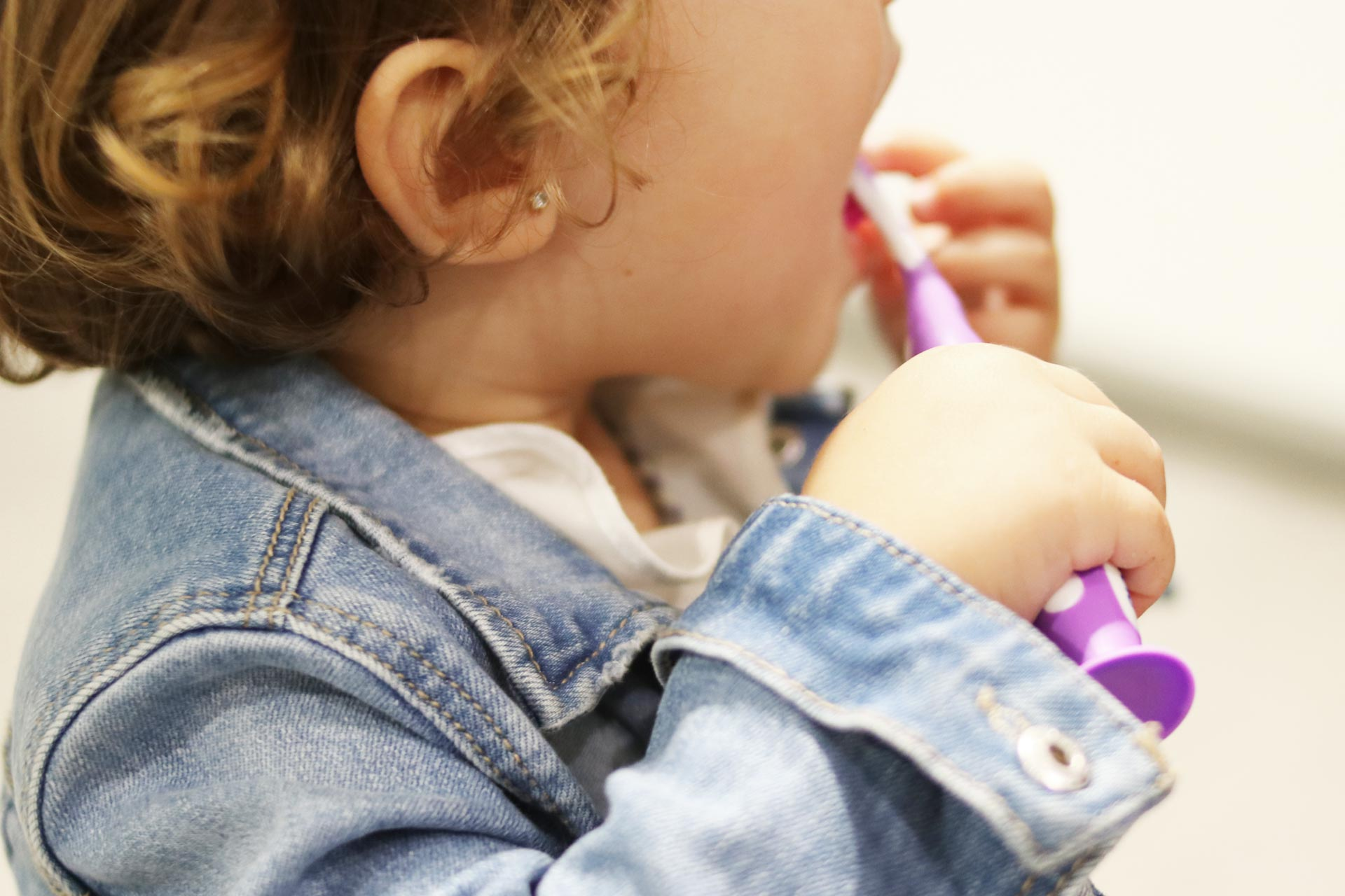 Cómo tratar la caries infantil