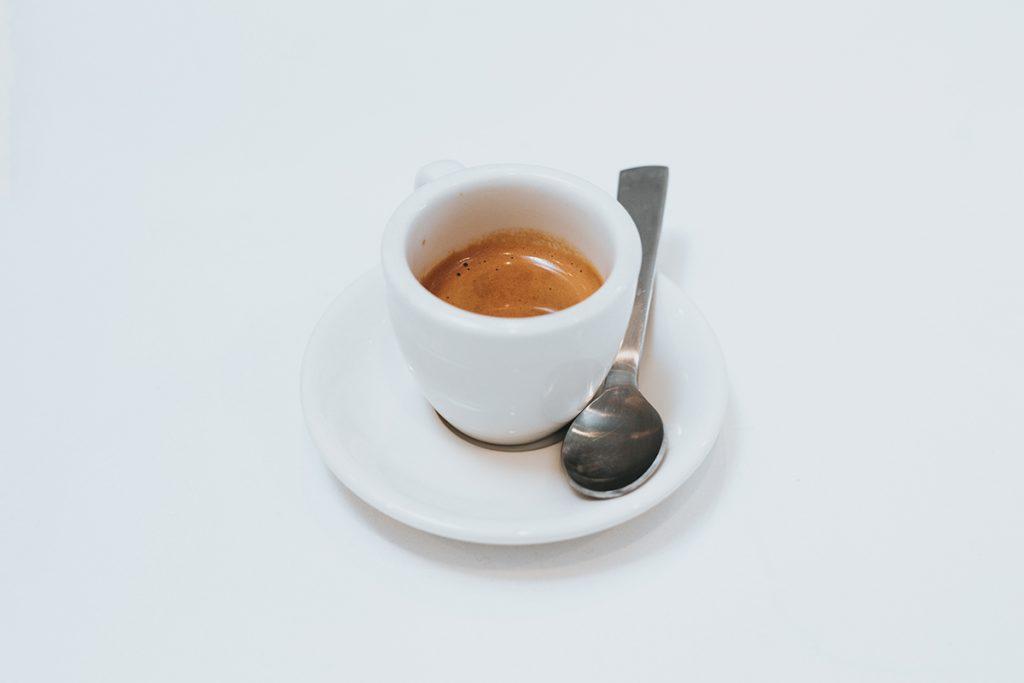 Cómo afecta el café a los dientes